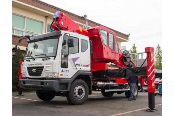 Автовышка 45 метров HORYONG SKY 450SF