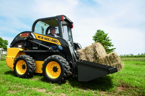Мини-погрузчик New Holland LS170