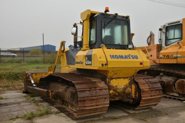 Бульдозер Komatsu D65PX Болотоход